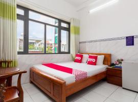 OYO 996 Hoang Tuan Hotel, hotel in Ho Chi Minh City