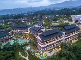 Pullman Ciawi Vimala Hills Resort, hotel with jacuzzis in Bogor