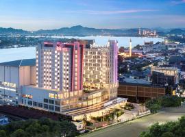 Ibis Samarinda, hotel with pools in Samarinda