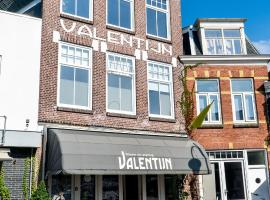 Stadslogement Valentijn, hotel near Sneek Station, Sneek