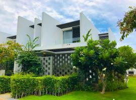 Oceanami 3BR Villa - Vivian Homestay, spa hotel in Long Hai