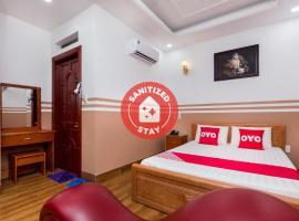 OYO 1066 Sao Mai Hotel, hotel near AEON Mall Binh Duong Canary, Ho Chi Minh City