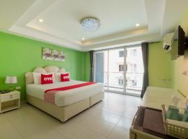 OYO 75330 Little House Pattaya, отель в Паттайе (Центр)