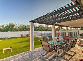 Modern Sonoran Desert Oasis with Pool and Yard!, vacation rental in Phoenix
