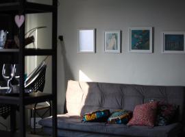 #Apzinho1404 / #cozyloft1404, apartment in Porto Alegre