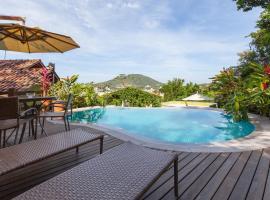 Pousada Vila do Bosque, hotel near Bombinhas Panoramic View Park, Bombinhas