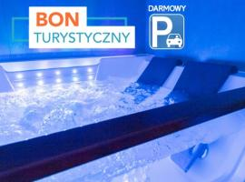 Jacuzzi Glass-House Central Station, pet-friendly hotel in Kraków
