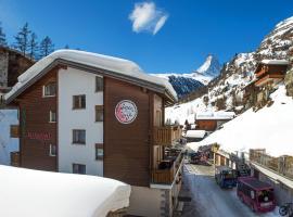 PopUp Hotel Alpenrose by Potato, hotel in Zermatt