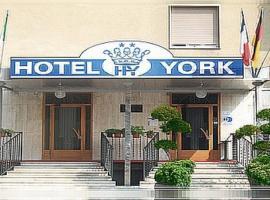 York, hotell i Cinisello Balsamo