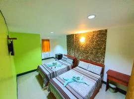 Aosmec Square Hotel, inn in Mactan
