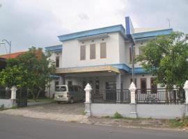 Anugrah Hotel Syariah, hotel near Adisumarmo Airport - SOC,