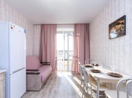 Современная квартира в новом ЖК Центр с парковкой, pet-friendly hotel in Novosibirsk