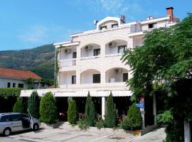 Hotel Grbalj, отель в Будве