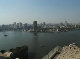 Grand Nile Royal Hotel at Nile Plaza, отель в Каире