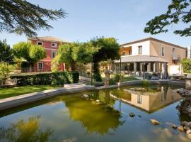 Villa Augusta, hotel near Crocodile Farm, Saint-Paul-Trois-Châteaux