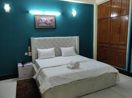 happy homes greater Noida hotel, hotel in Greater Noida