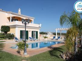VILLA MONTE VELHO, villa in Albufeira
