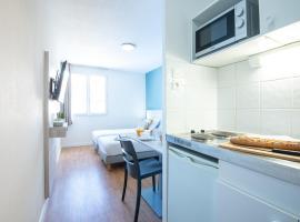 Zenitude Hôtel-Résidences Le Tholonet, apartment in Aix-en-Provence