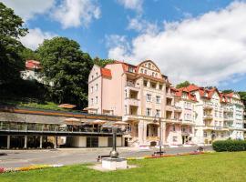 Hotel Astoria, отель в Яхимове