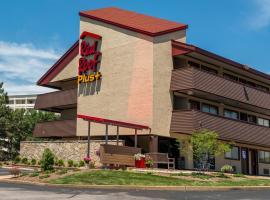 Red Roof Inn PLUS+ St. Louis - Forest Park / Hampton Ave., hotel in Saint Louis