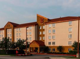 Red Roof Inn PLUS+ Long Island - Garden City, hotel in Westbury