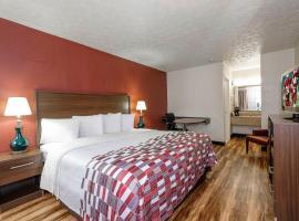Red Roof Inn Edgewood, hotel in Edgewood