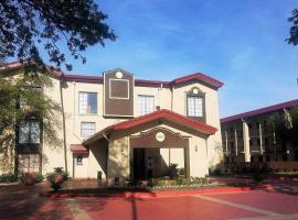 Red Roof Inn & Suites Houston- Hobby Airport, hotel near William P. Hobby Airport - HOU, Houston
