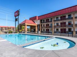 Red Roof Inn & Suites Pigeon Forge Parkway, hotel v destinaci Pigeon Forge