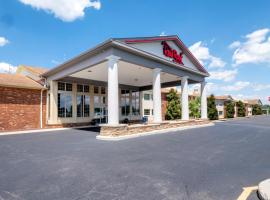 HomeTowne Studios by Red Roof Wilmington - New Castle, hotel near New Castle Airport - ILG, New Castle