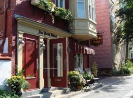 Au Petit Hôtel, hotel in Quebec City