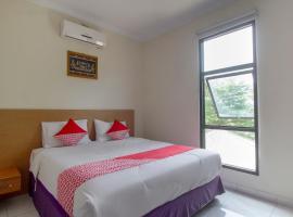 Capital O 3436 Hotel Kahai Beach Resort, hotel in Batubalak