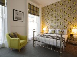 Bower House, hotel near Victoria Train Station, London