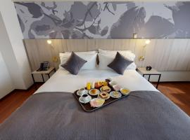 Hotel Brasilia, hotel near Santiago International Airport - SCL, Santiago