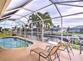 Marco Island Home with Southwest Sun and 2 Mi to Beach!, holiday home in Marco Island
