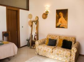 9 Stylish Suite in Unirii Square, apartment in Timişoara