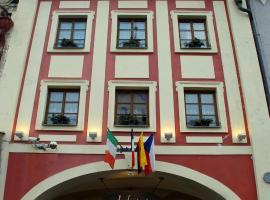 Hotel Zlatý Kohout, hotel in Mladá Boleslav