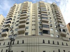 Otimo apto na area central de BC, apartment in Balneário Camboriú