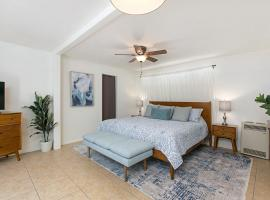 Walk to Beach! Casita Near Del Mar Racetrack home, vacation home in San Diego