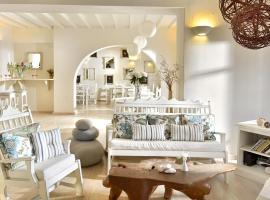 Erato Hotel Mykonos, hotel in Ornos