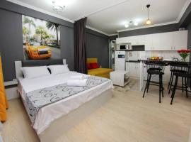Элитная квартира на 12 этаже с панорамным видом, apartment in Almaty