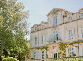 Chateau de Varenne, hotel in Sauveterre