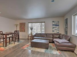 Waterfront Apt, Walk to Town and Coastal Trail!, vacation rental in Anchorage