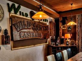 Wild West Gasthaus, hotel near Fleckllift, Fichtelberg