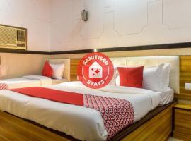 Vaccinated Staff- OYO 69199 Hotel Swapna, hotel in Mumbai
