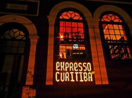 Expresso Curitiba Hostel e Coffee Bar, hotel in Curitiba