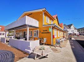 Henningsvær Guesthouse, hotel in Henningsvær