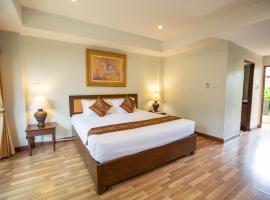 Luck Swan Resort, hotel near Chiang Rai International Airport - CEI, Chiang Rai
