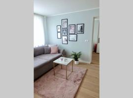 Cozy city-apartment with free parking, hotel in Tallinn