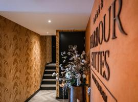 Harbour Suites Boutique Hotel, hotel near Almere Parkwijk Station, Monnickendam