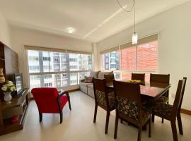 Apto 2 dom e 3 quadras do mar edifício Silviane Gomes 7 andar, self catering accommodation in Capão da Canoa